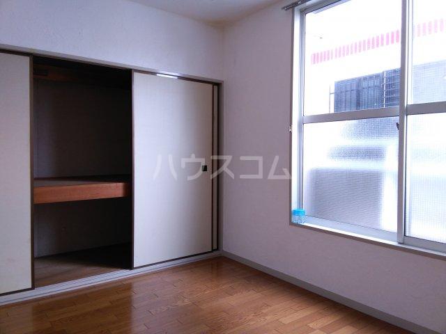 ホワイトビレッジ 103号室のベッドルーム