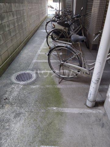 宮前ビル 803号室の駐車場