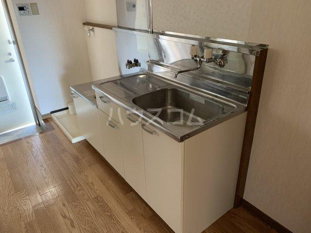 チェリーハイムA 108号室のキッチン