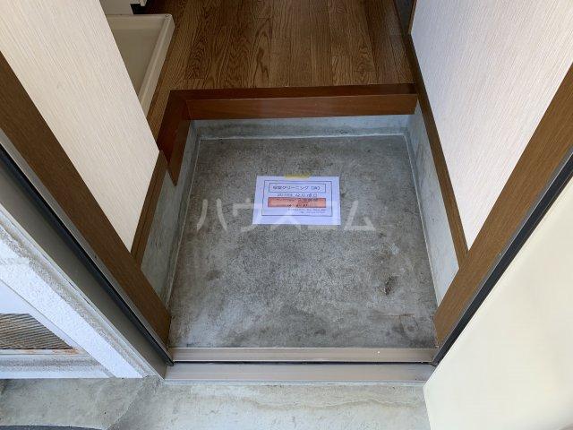 チェリーハイムA 108号室の玄関