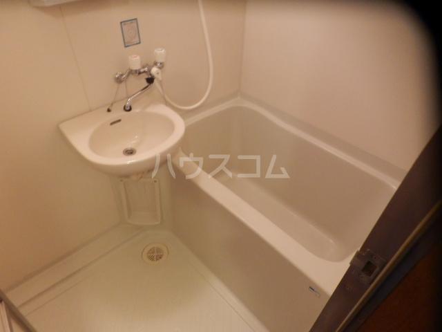 ドルフィンダイヤモンド 102号室の風呂