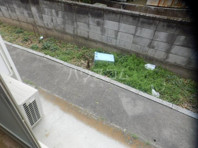 ドルフィンダイヤモンド 102号室の庭