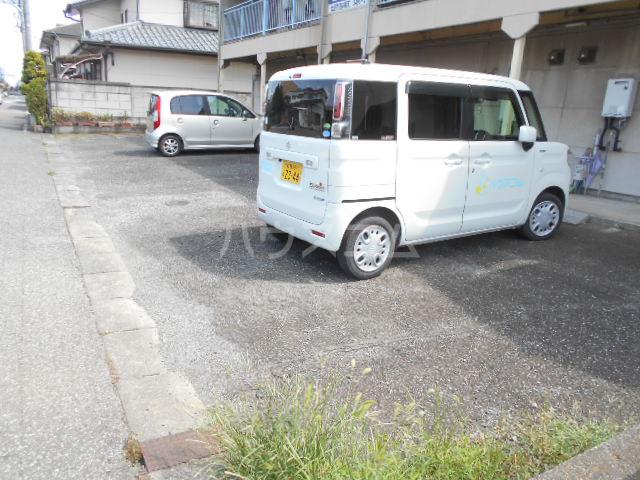 コーポ恵 202号室の駐車場