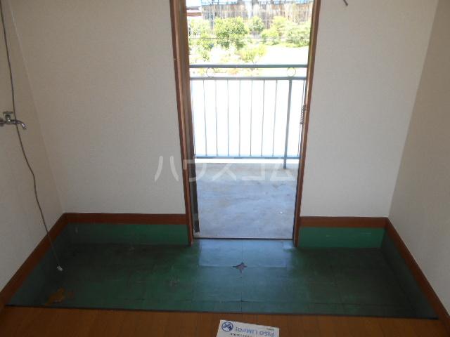 コーポ恵 202号室の玄関