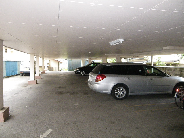 コンチェルトハイツA 305号室の駐車場