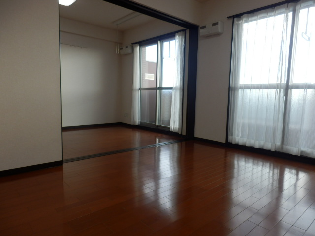 セントフィールド 207号室の居室