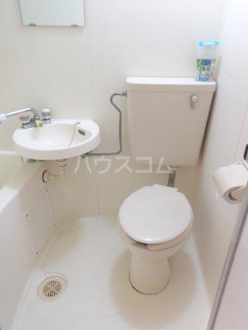 荒牧メゾン都B 105号室のトイレ
