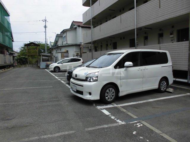 メゾン静二号棟B 206号室の駐車場