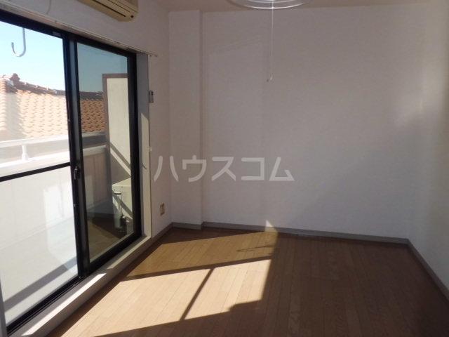 レジデンス三沢Ⅱ 301号室のバルコニー
