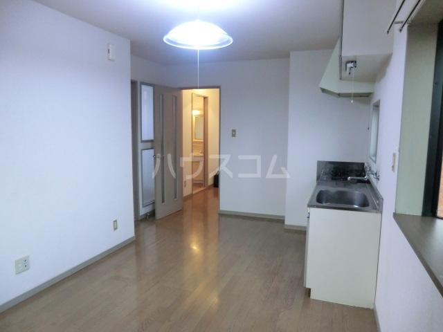 レジデンス三沢Ⅱ 301号室の玄関