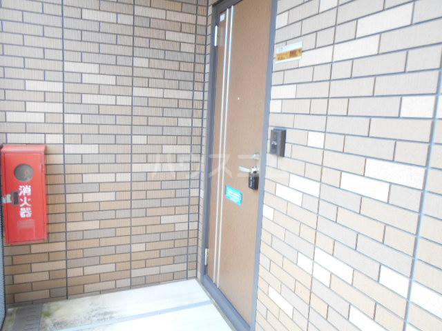ヴィラ相生B 201号室の玄関