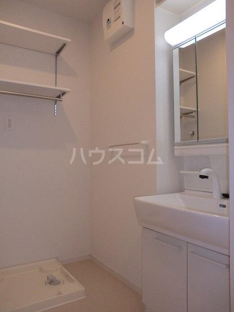 アリエッタ Ⅳ 02030号室の洗面所