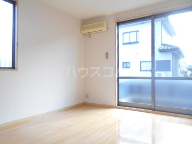 グランドパーク 101号室のキッチン