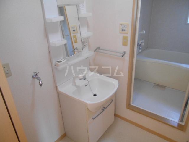 グランドパーク 101号室のトイレ