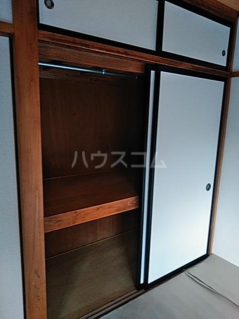 吉岡ハイツ 102号室のエントランス