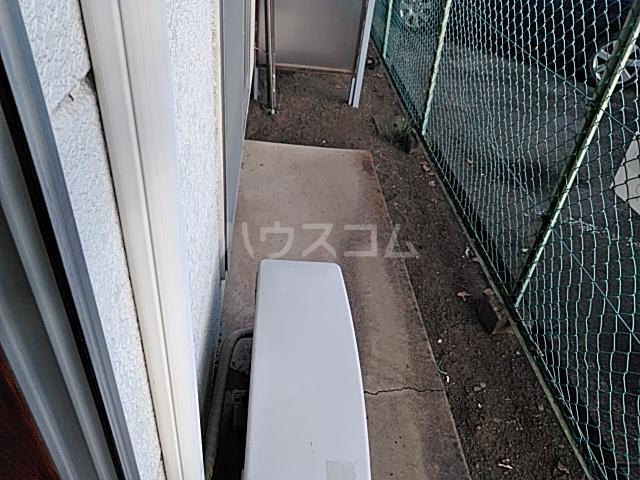 吉岡ハイツ 102号室のバルコニー
