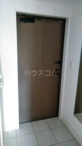 アルティザ北通町 201号室の玄関