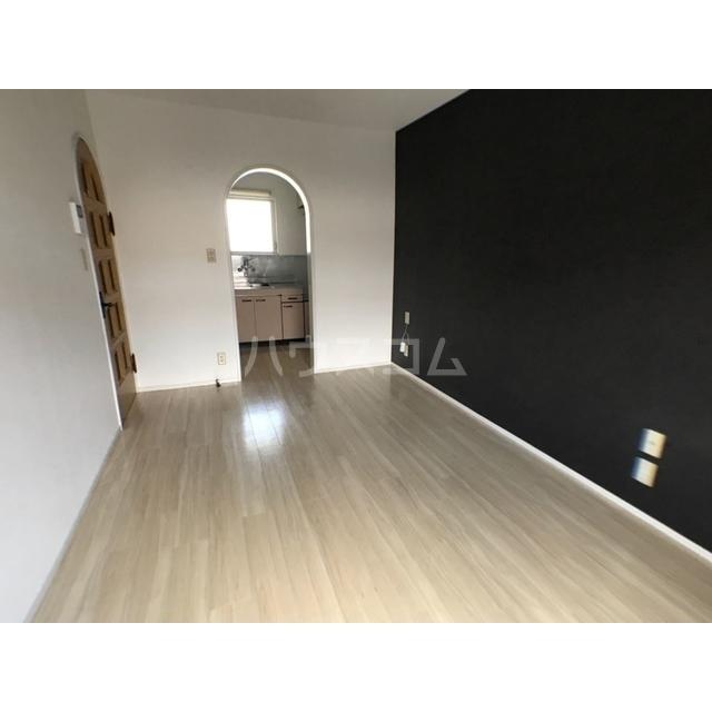 チェリーヒル 2-D号室の居室