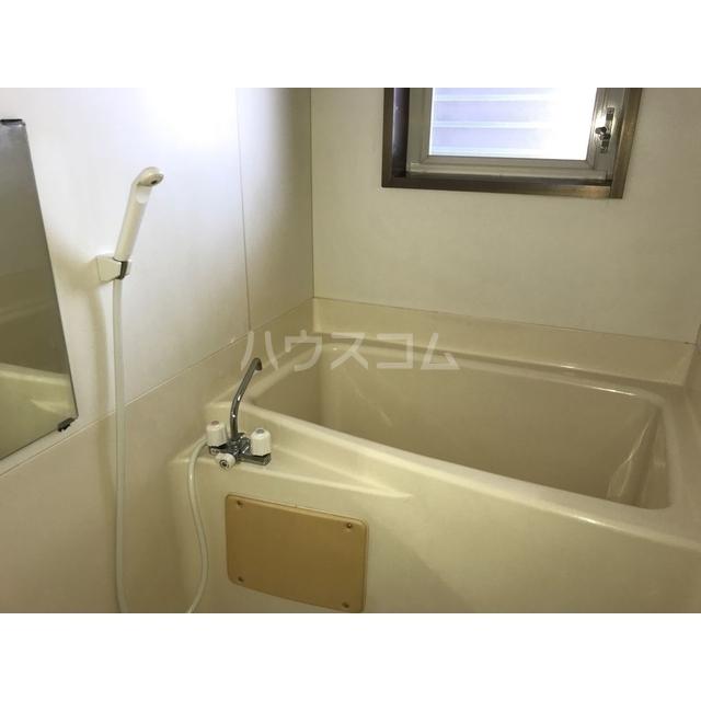 チェリーヒル 2-D号室の風呂