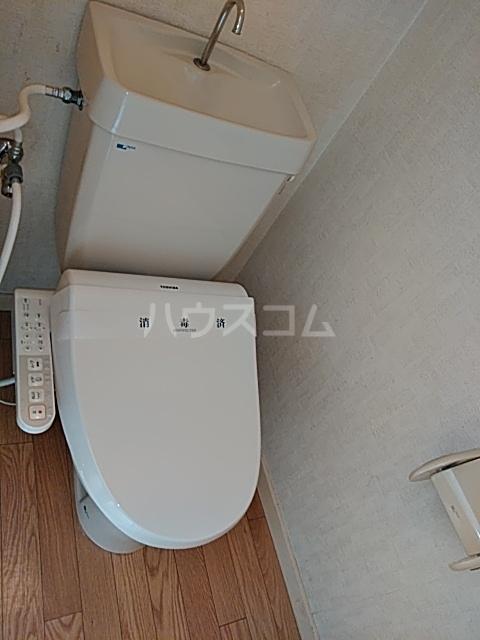 鼻高テラスハウス Dのトイレ