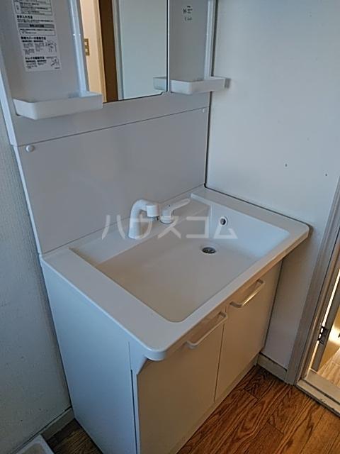 鼻高テラスハウス Dの洗面所