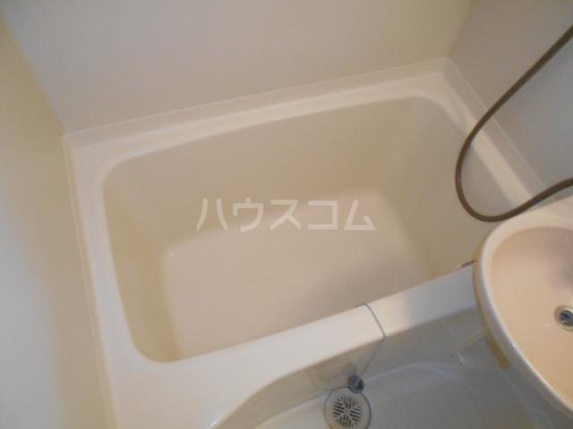 サンパレス渡良瀬A 103号室の風呂