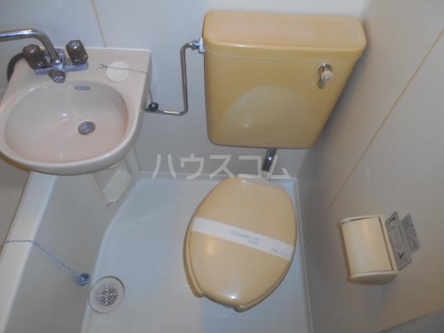 サンパレス渡良瀬A 103号室のトイレ