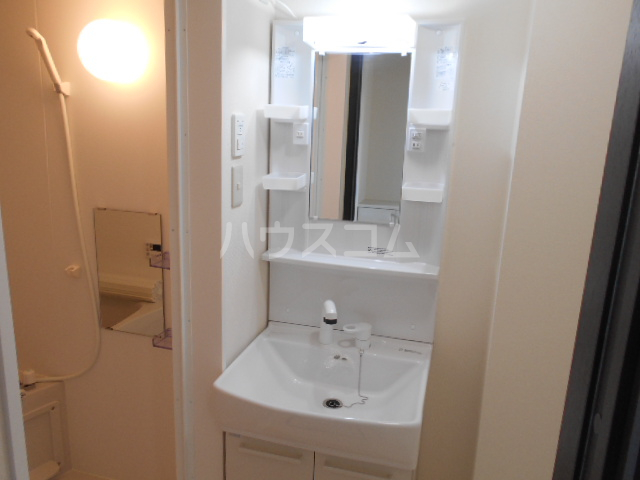 Mandarino Pesca 103号室の洗面所