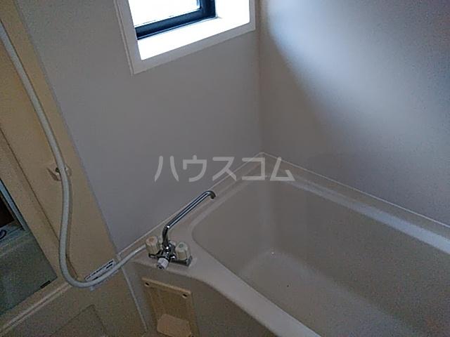 メゾンボヌールB 102号室の洗面所