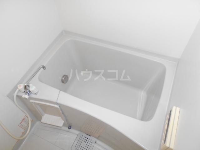 エステートK A棟 101号室の風呂
