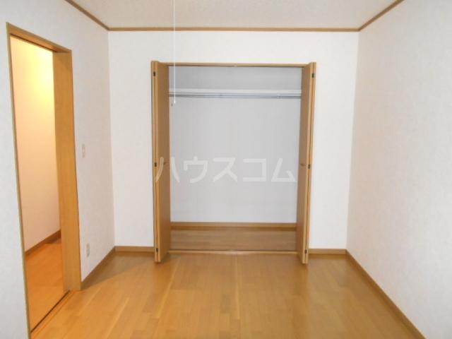 ラジュニールⅢ 202号室の居室