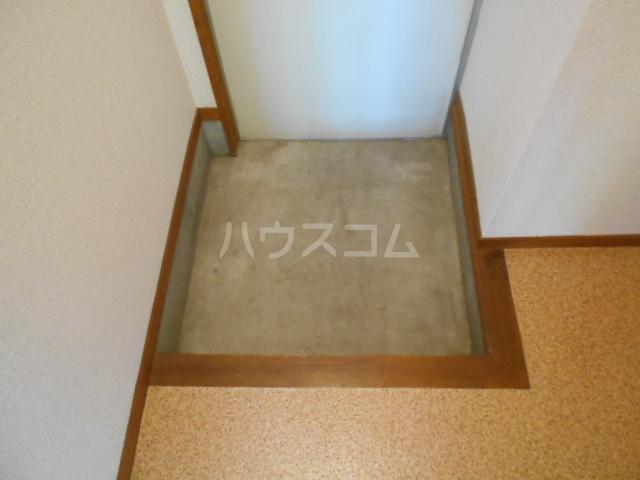 櫻井ハイツ 203号室の玄関