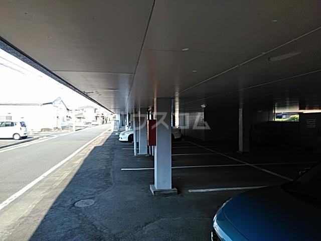 いづみマンション 205号室の駐車場