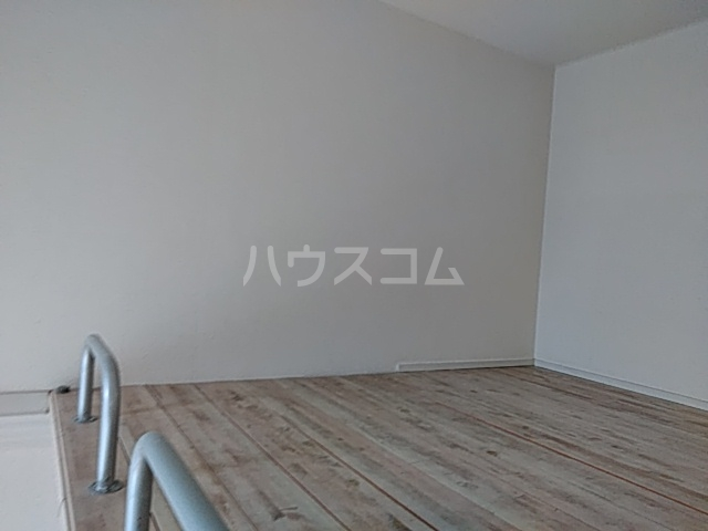 井野レジデンス 101号室のベッドルーム