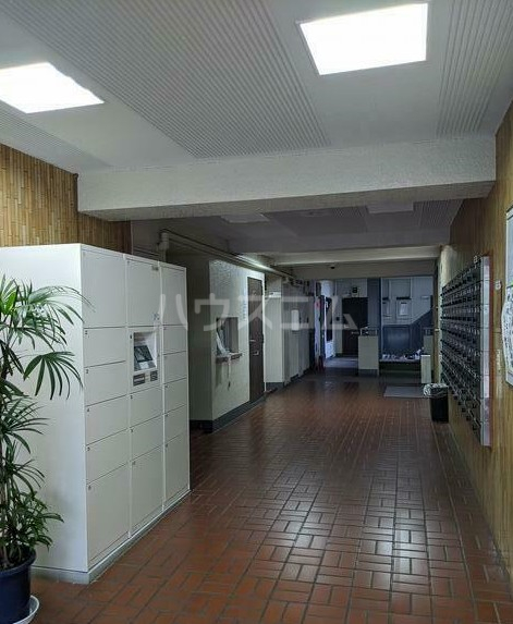 シャトレー笹塚 215号室のロビー