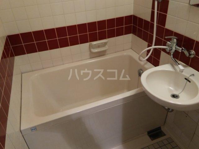 シャトレー笹塚 215号室の風呂