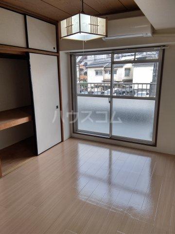 シャトレー笹塚 215号室の居室