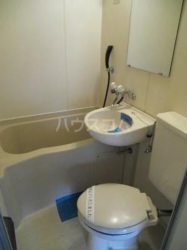 メゾン・ド・タンブール 208号室の風呂