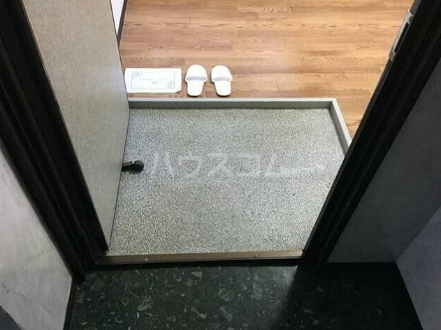 豊マンション 106号室の玄関