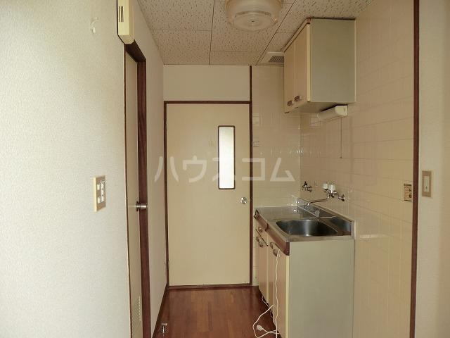 コーポ東海 107号室の