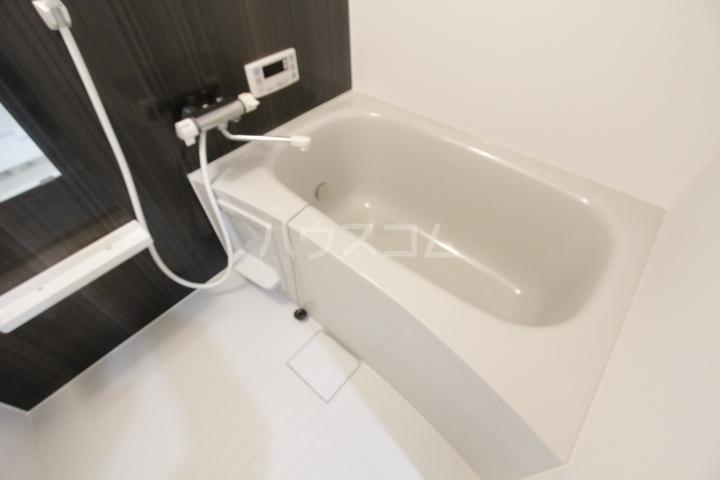 ル ロジュマン 105号室の風呂