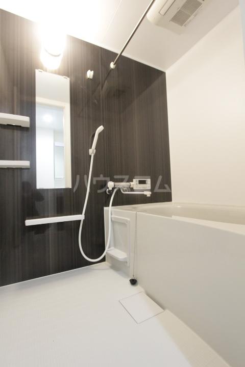 ル ロジュマン 201号室の風呂