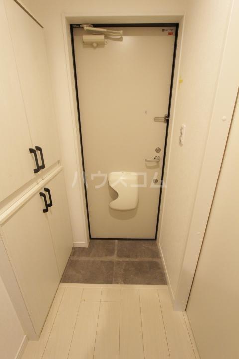 ル ロジュマン 302号室の玄関