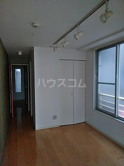 モデュロール中野新橋 0203号室のリビング