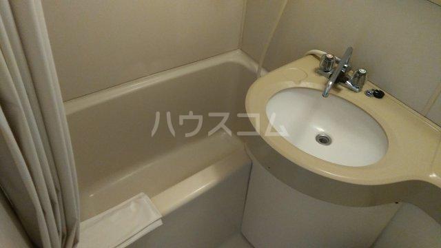 倉林マンション上祖師谷 103号室の風呂
