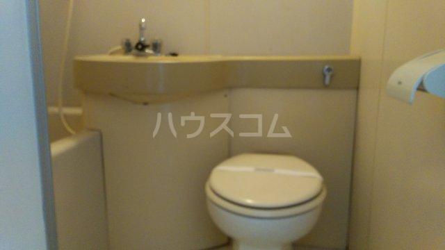 倉林マンション上祖師谷 103号室のトイレ