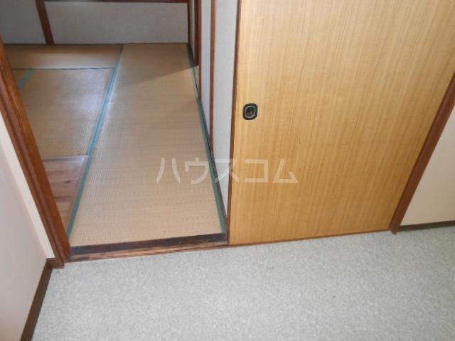 上中荘 3号室の玄関