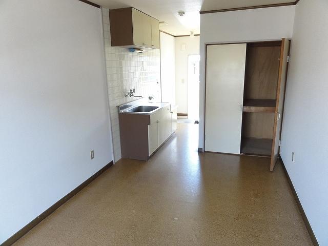 ぎんなんハウス 207号室の居室