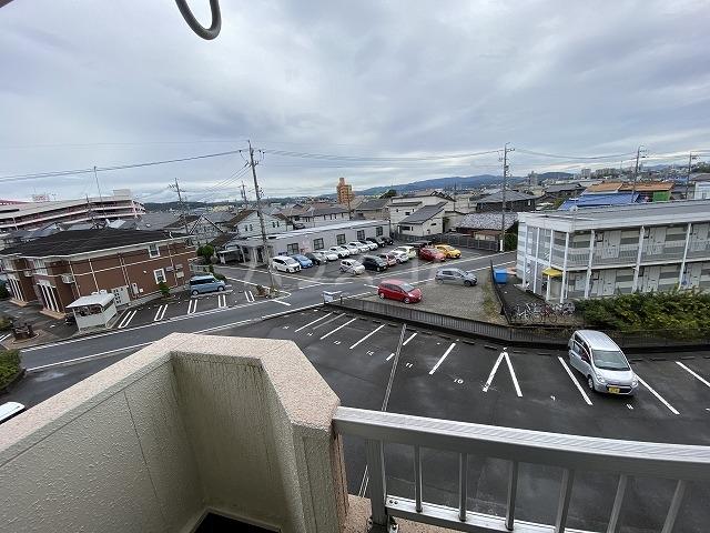 Gフォータン18 301号室の居室