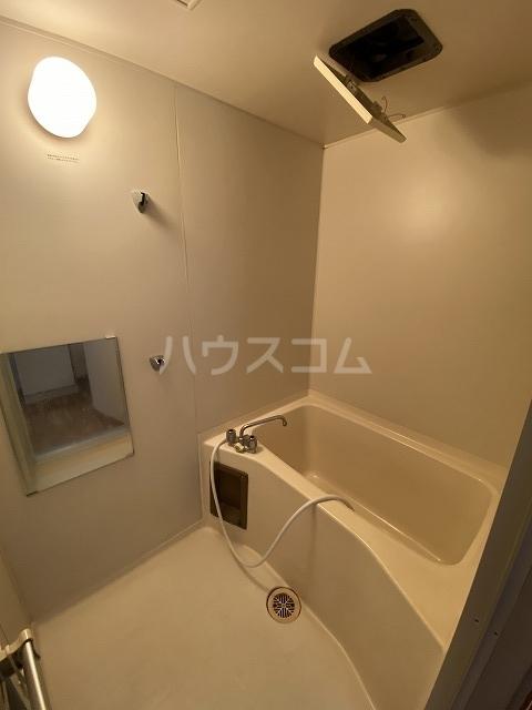 Gフォータン18 301号室の風呂